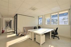 Bureaux de 196 m² à louer - ref:10198627