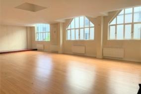 Bureaux de 205 m² à louer - ref:10197915