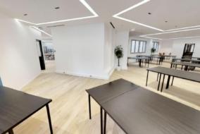 Bureaux de 230 m² à louer - ref:10200370