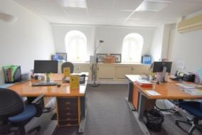 Bureaux de 233 m² à louer - ref:10196992