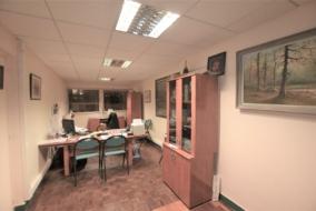 Bureaux de 270 m² à louer - ref:10198274