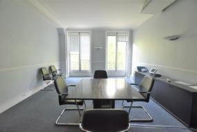 Bureaux de 270 m² à louer - ref:10199505