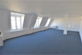 Bureaux de 296 m² à louer - ref:10189765