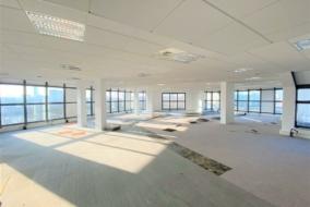 Bureaux de 307 m² à louer - ref:10197830