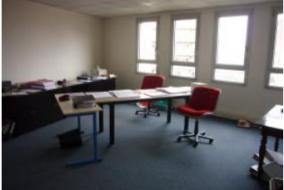Bureaux de 325 m² à louer - ref:10187671