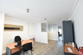 Bureaux de 32 m² à louer - ref:10200352