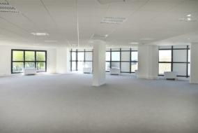 Bureaux de 378 m² à louer - ref:10197833