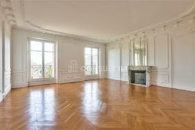 Bureaux de 378 m² à louer - ref:10198545