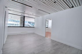 Bureaux de 68 m² à louer - ref:10198768