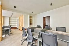 Bureaux de 74 m² à louer - ref:10198178