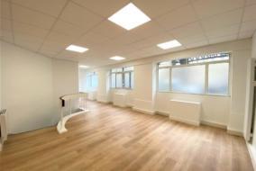 Bureaux de 76 m² à louer - ref:10199273