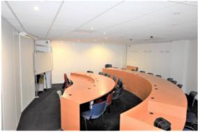 Bureaux de 80 m² à louer - ref:10186423