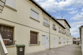 Autres de 432 m² à vendre - ref:10193896