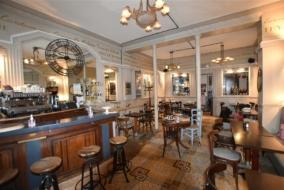 Boutiques / Locaux commerciaux de 103 m² à vendre - ref:10197467