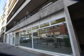 Boutiques / Locaux commerciaux de 141 m² à vendre - ref:10197482