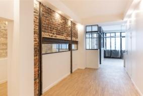 Boutiques / Locaux commerciaux de 326 m² à vendre - ref:10200203