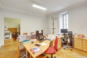 Bureaux de 145 m² à vendre - ref:10195150